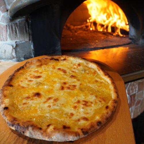 石窯Pizza クワトロフォルマッジ